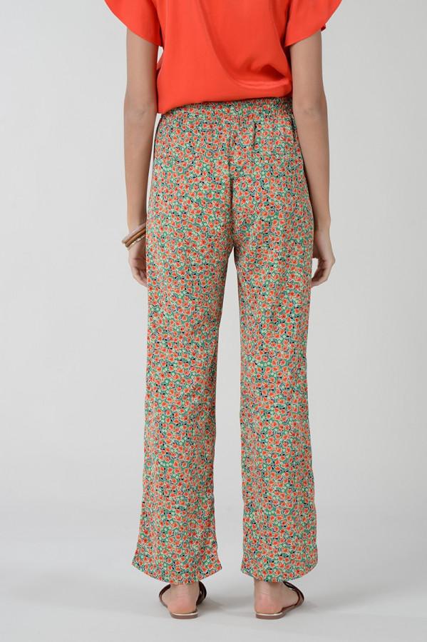 Pantalón de corte recto floral con bolsillos laterales