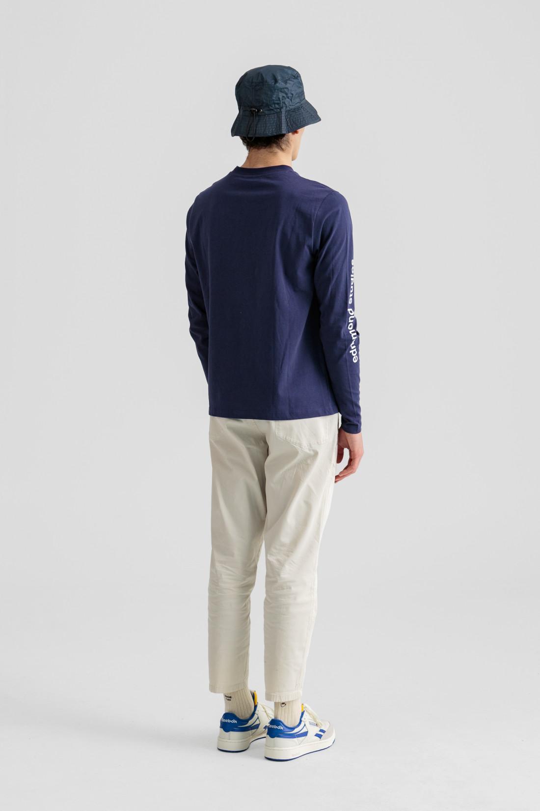Camiseta manga larga, cuello redondo y tipografia Edmmond