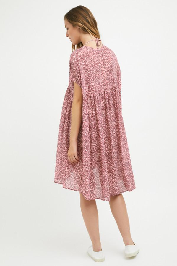 Vestido estampado floral ros, corte amplio y manga caída. 55% algodón, 45% viscosa