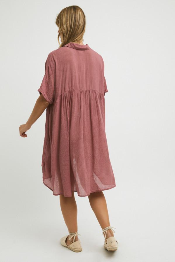 Vestido grosella algodón, vaporoso, abertura con tres botonescorte bajo el pecho, manga corta, 55% algodón, 45% viscosa