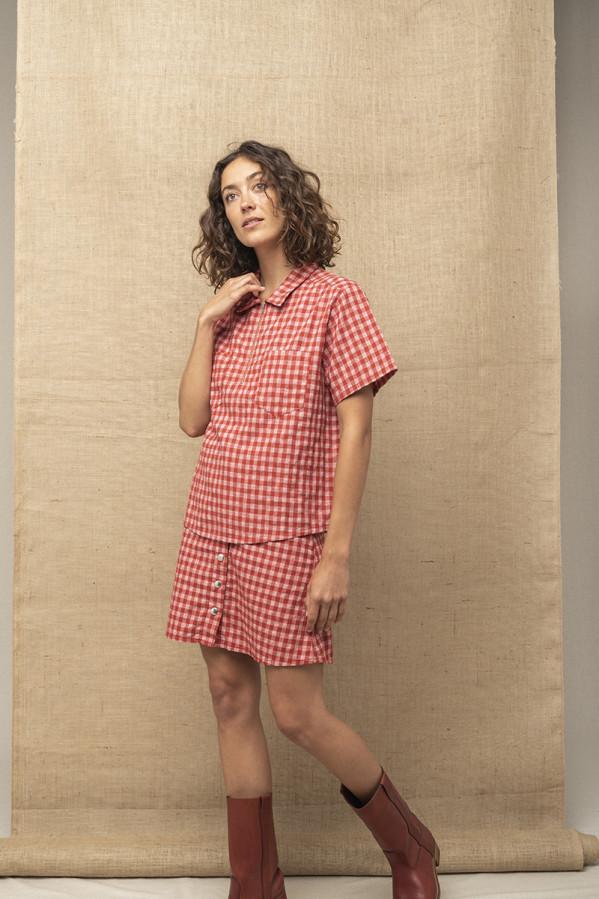 Camisa con cuello y cremallera, manga corta lino y algodón