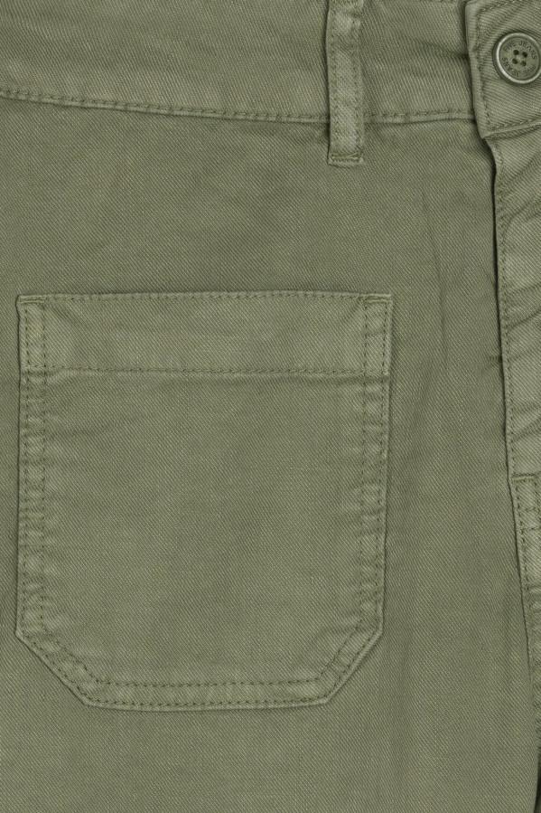 Pantalón verde tobillero cierre con cremallera y bolsillos