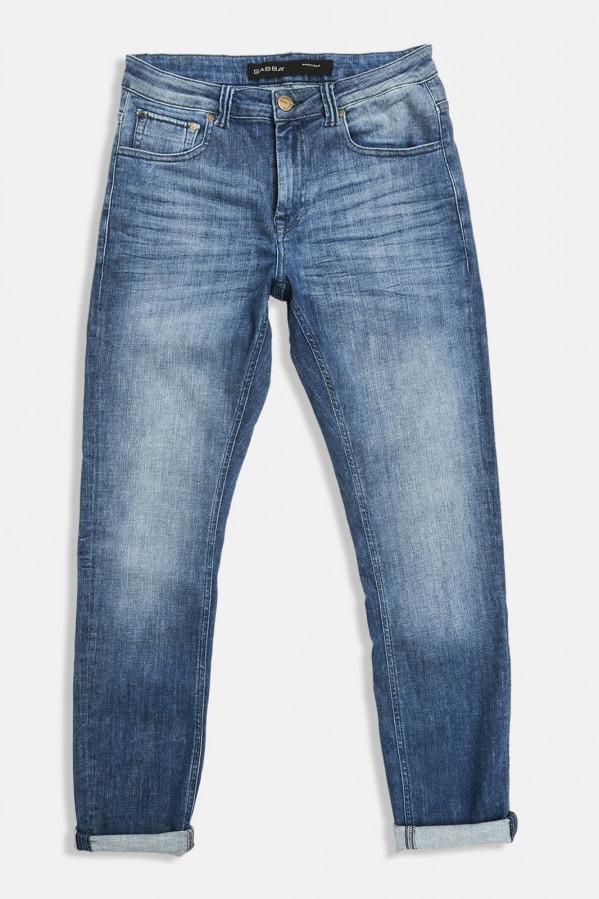 Pantalón tejano elástico, corte recto y cinco bolsillos