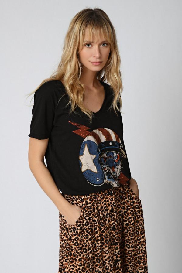 Camiseta tigre, cuello en V, manga corta, largo más corto por delante, serigrafía de un tigre